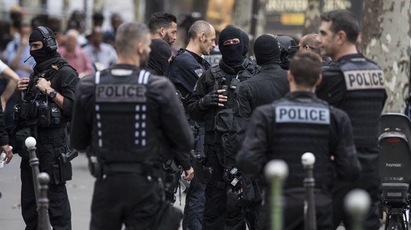 Desmantelada rede neonazi que planeava ataques contra judeus e muçulmanos