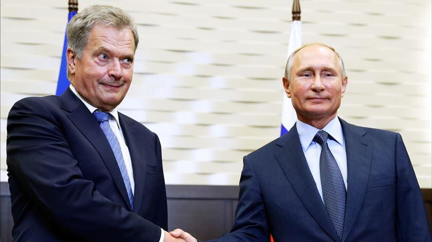 Putin avisa NATO sobre aproximação à fronteira russa