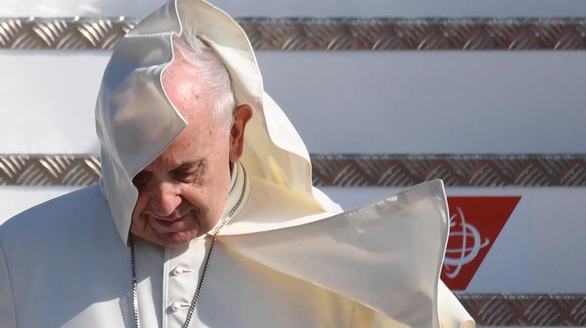 """Papa assume """"vergonha"""" pela incapacidade da Igreja para """"enfrentar crimes repugnantes"""""""