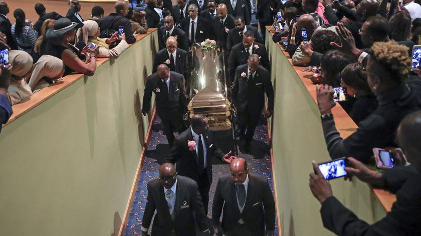 Gospel e emoção na despedida a Aretha Franklin