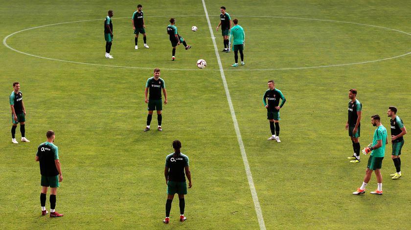 Raphael Guerreiro foi o único ausente do treino da manhã desta quarta-feira. Foto: Filipe Farinha/Lusa