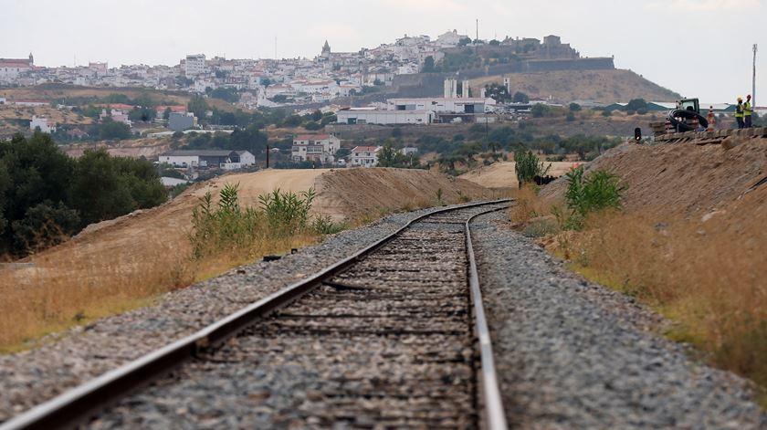 Expansão da linha ferroviária no Alentejo está nos planos do Governo. Foto: Nuno Veiga/Lusa