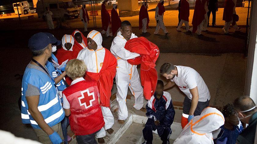 Cinco migrantes morreram e 193 foram resgatados em Espanha