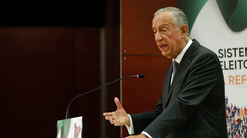 """Marcelo aguarda """"decisão unilateral"""" do Governo sobre professores"""