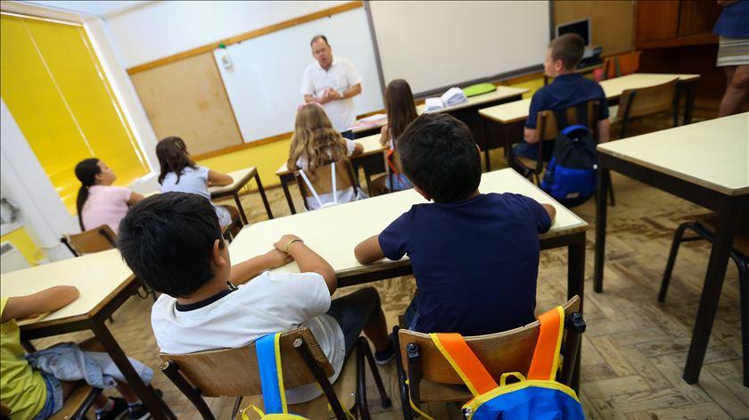 Governo admite que professores com mais de 60 anos podem deixar de dar aulas