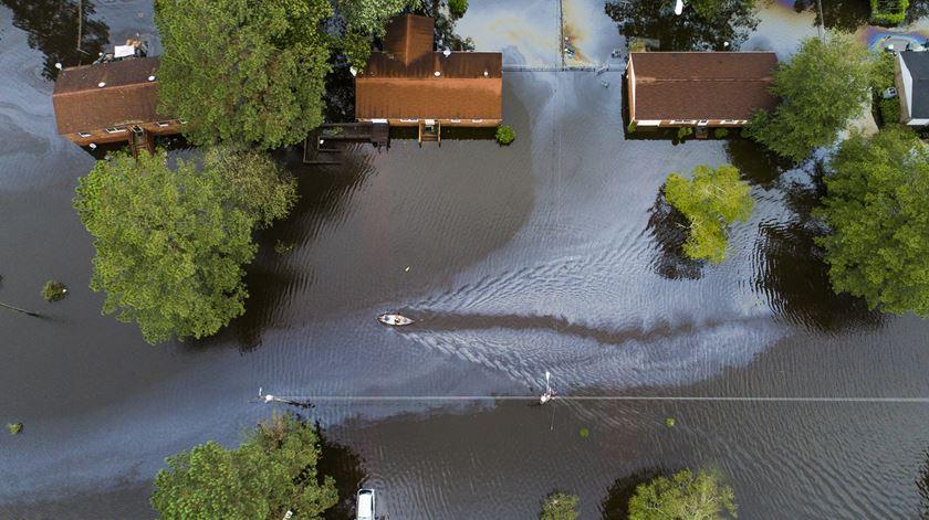 Florence, inundação. Foto: Jim Lo Scalzo/EPA
