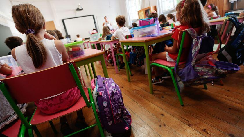 """Pais e diretores criticam novo calendário escolar. """"Vai trazer mais dificuldades às famílias"""""""