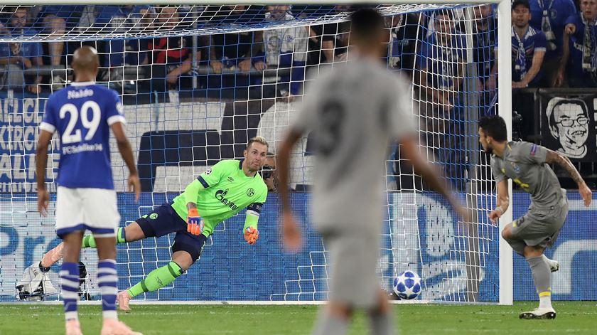 Otávio dá empate ao FC Porto no arranque da Liga dos Campeões