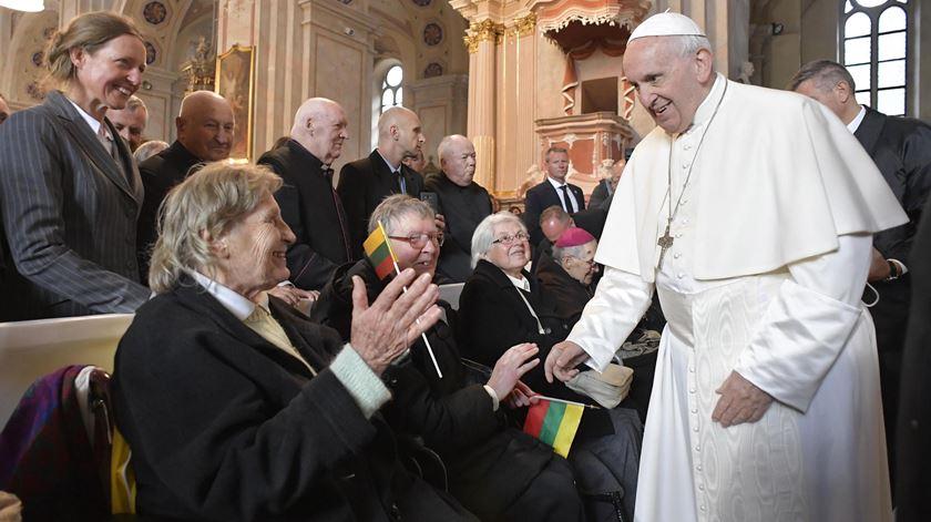 Segundo dia na Lituânia. Papa lembra sofrimentos da ocupação soviética e nazi