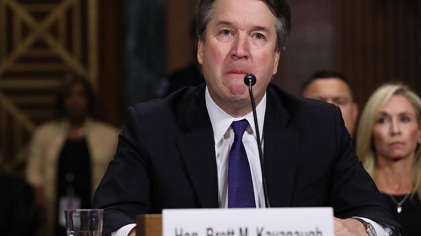 """Kavanaugh. Democratas dizem que relatório do FBI está """"incompleto"""" e apontam dedo à Casa Branca"""