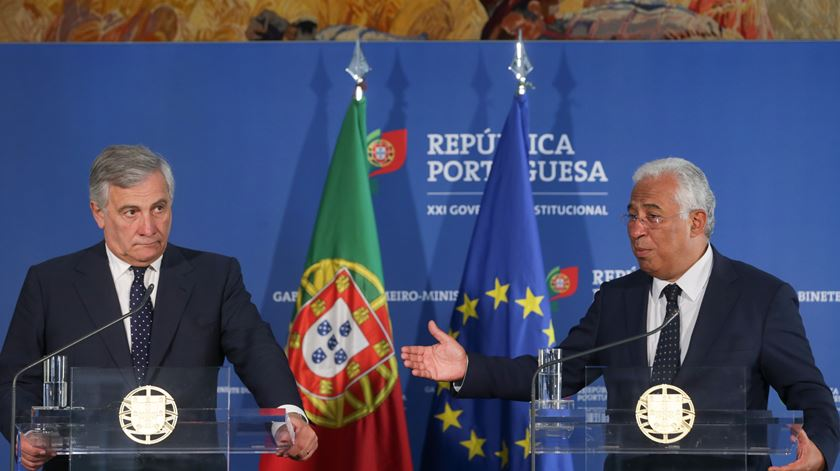 António Costa e Antonio Tajani, presidente do Parlamento Europeu. Foto: Tiago Petinga/Lusa
