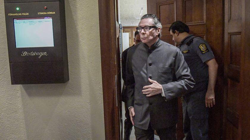Homem no centro do escândalo do Nobel da Literatura condenado por violação