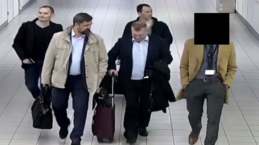 Russos acusados de ciberataque a organismo que investiga uso de armas químicas