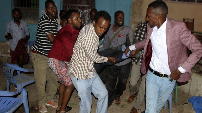 Duplo atentado na Somália. Foto: EPA/STR