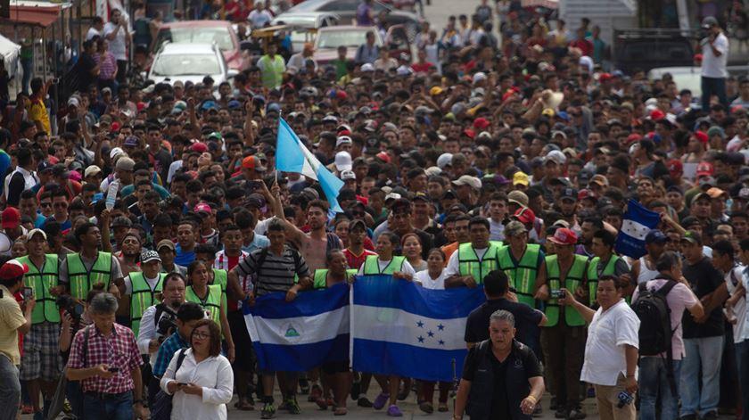 Hondurenhos na fronteira com o México. Foto: Maria de la Luz Ascencio/EPA
