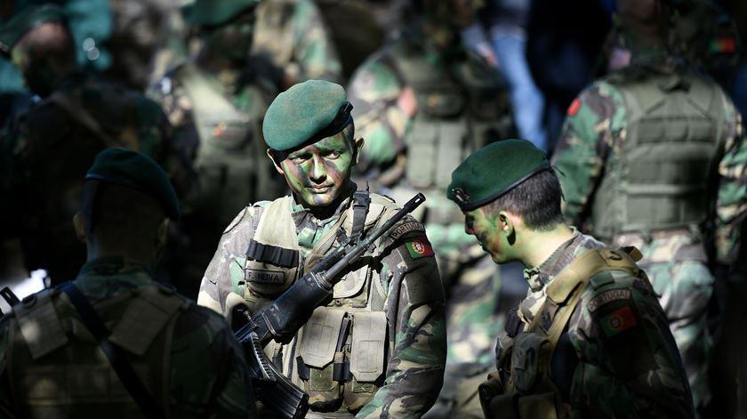 Governo vai tornar serviço militar mais atrativo e rever formação e condições