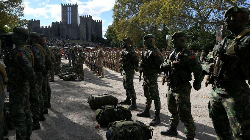 Militares, juízes e polícias entre as carreiras descongeladas. Diploma publicado