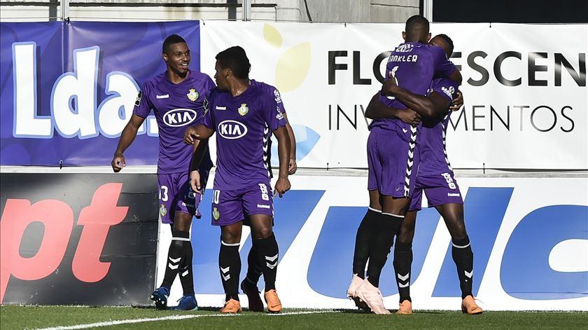 Jogadores do Vitória festejam um dos golos. Foto: Nuno André Ferreira/Lusa