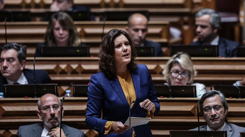 CDS apresenta moção de censura ao Governo