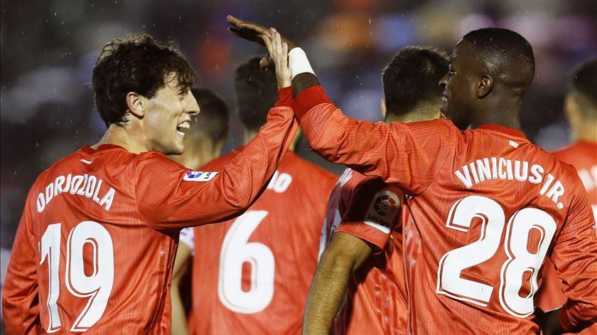 Real Madrid empresta Odriozola ao Bayern Munique