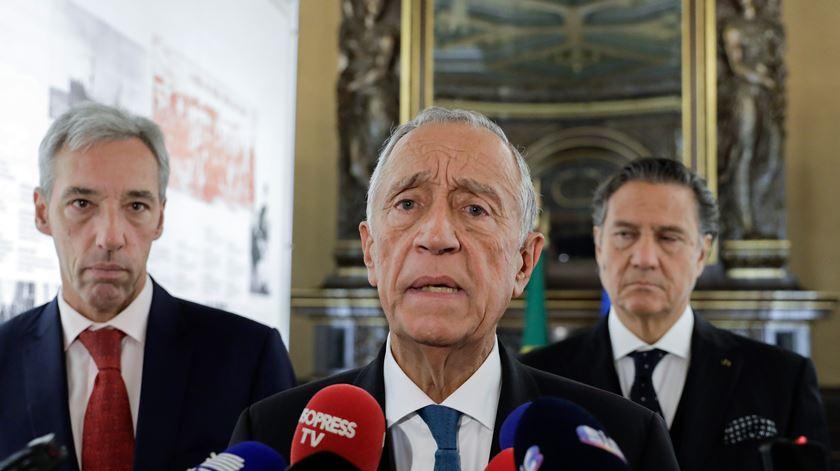 Marcelo Rebelo de Sousa, João Gomes Cravinho e Torres Pereira, embaixador de Portugal em França. Foto: António Cotrim/Lusa