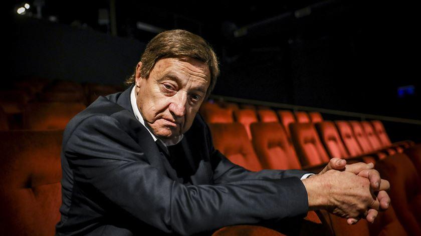 """Carlos Avilez, uma vida dedicada ao teatro. """"Quero ter uma certa rebeldia até ao fim"""""""
