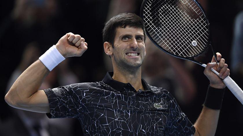 Favoritos continuam a vencer no Open da Austrália