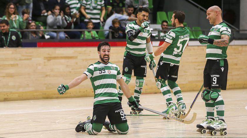 Sporting vence Oliveirense em hóquei em patins