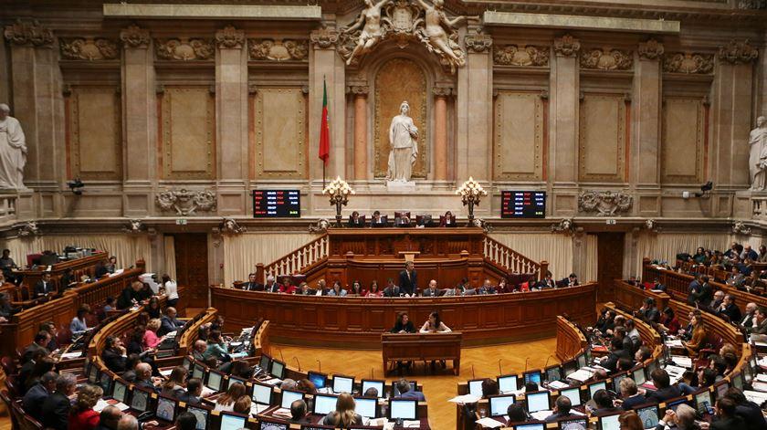 Partidos de acordo com Ferro: cada deputado tem de ser responsabilizado