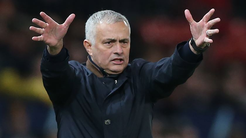 """Not so special"". Mourinho despedido do Manchester United"