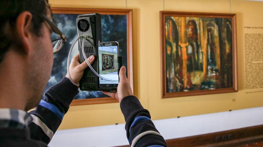 No Museu de Faro é possível explorar obras com os cinco sentidos