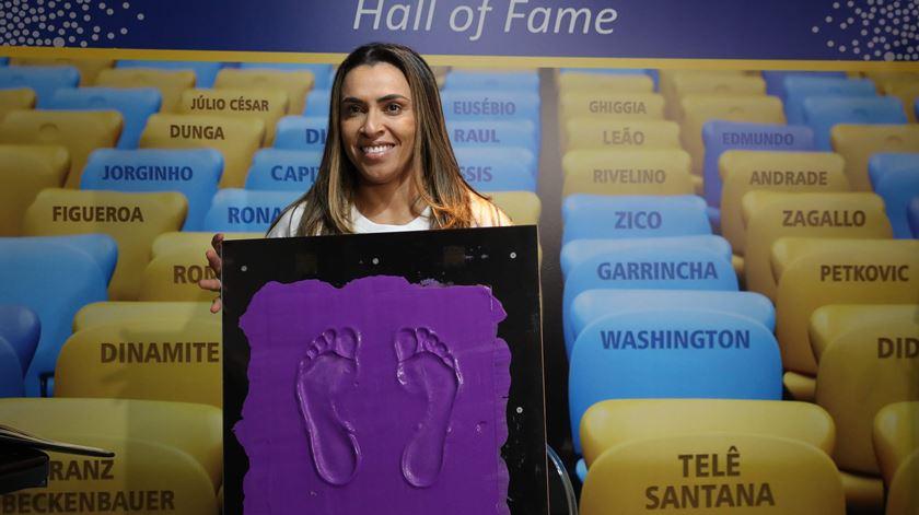 Marta é a primeira mulher na calçada da fama do Maracanã