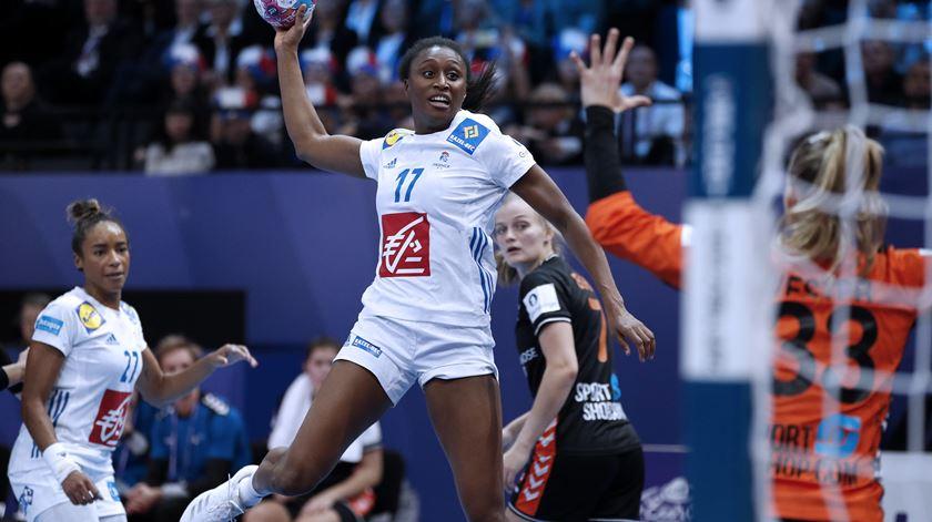 Rússia e França na final do europeu feminino de andebol
