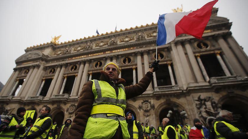 """""""Coletes amarelos"""" voltam a Paris mas com menos força"""