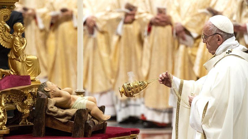 """Papa critica """"voracidade"""" consumista da Humanidade na missa de Natal"""