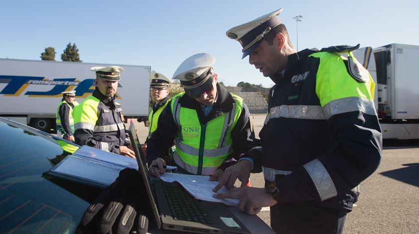 GNR quer que os condutores compreendam que são responsáveis pela sua segurança. Foto: José Coelho/Lusa
