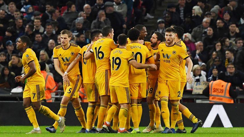 Wolverhampton renova com Doherty e Coady