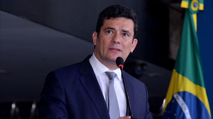 Três dezenas de ativistas em protesto contra presença de Sergio Moro em Portugal