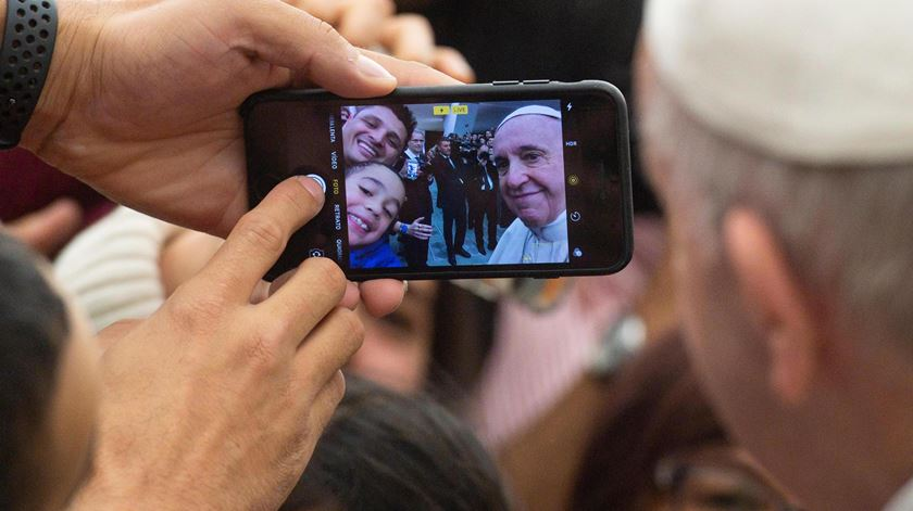 Papa cria perfil no 'Click to Pray' e convida jovens a fazerem o mesmo