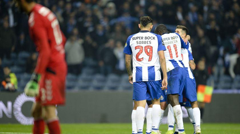 Brahimi e Soares, FC Porto. Foto: Fernando Veludo/Lusa
