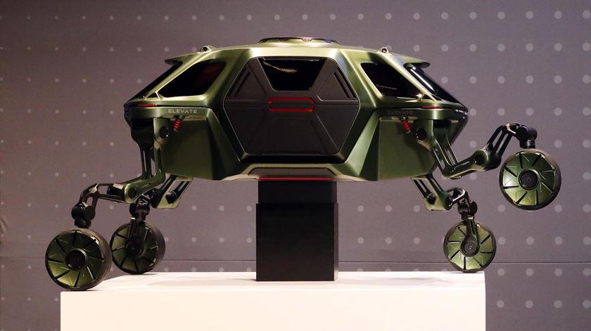 Hyundai anuncia carro com pernas