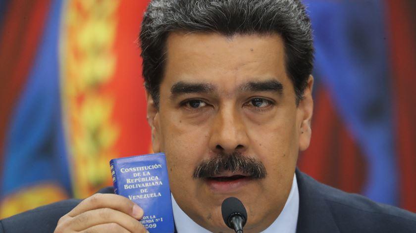 PCP critica Governo por faltar à posse de Maduro