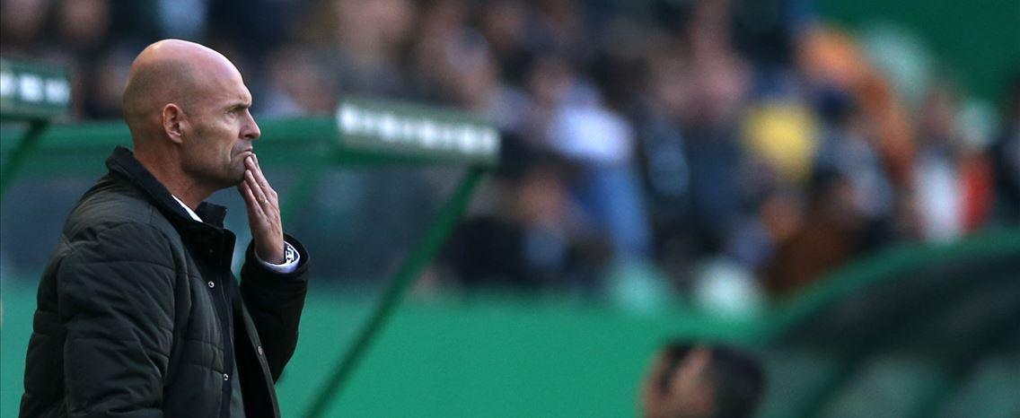 5f29b0513e Dani pede tempo para Keizer e acredita numa reviravolta diante do Villarreal