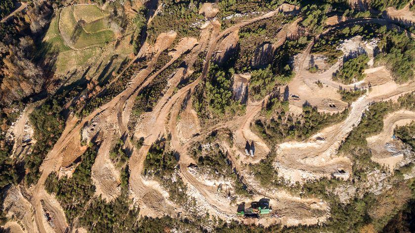 """Exploração de lítio em Portugal """"não é viável"""" e pode ser uma """"fraude"""""""