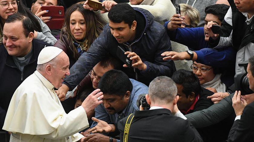 """Papa convida a rezar a Deus """"papá"""""""