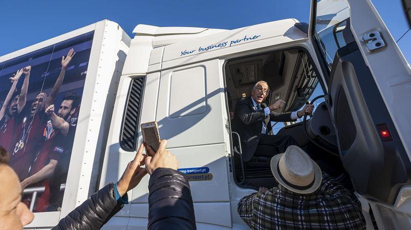 Marcelo fez Lisboa-Porto de camião e tirou duas lições