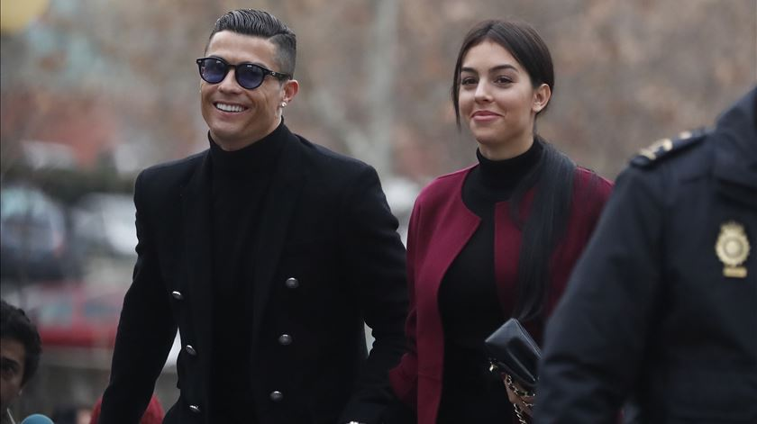 Depois de 50 minutos no tribunal, Ronaldo aceita acordo com Fisco espanhol