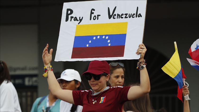 Papa teme banho de sangue na Venezuela