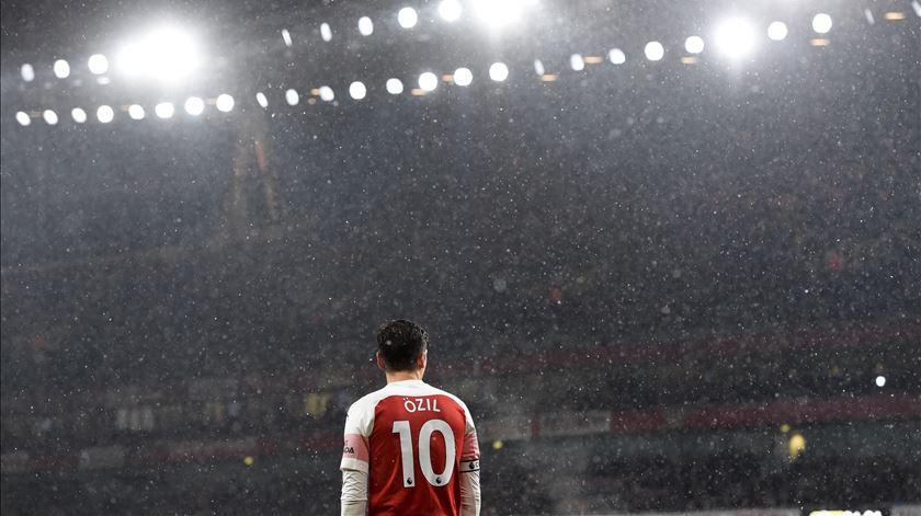 Arsenal cede empate contra o Watford