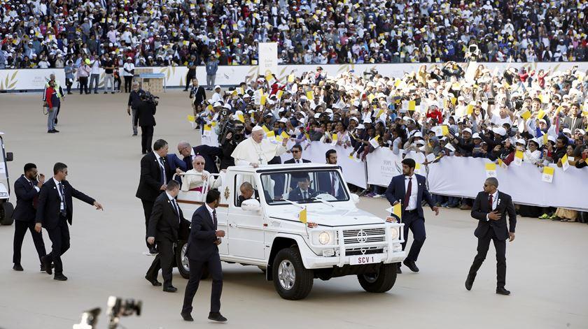 Papa celebra missa histórica nos Emirados Árabes Unidos